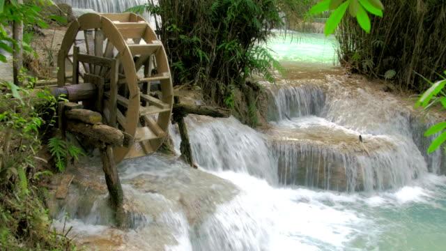 mulino a acqua - energia idroelettrica video stock e b–roll