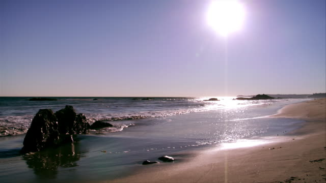 MS, Wave on beach, Leo Carrillo State Park, California, USA