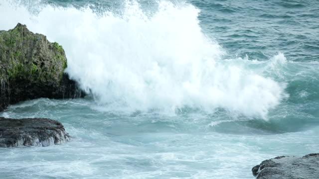 wave - gezeiten stock-videos und b-roll-filmmaterial