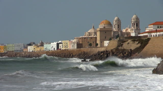 Waves Breaking at the Cadiz Waterfront