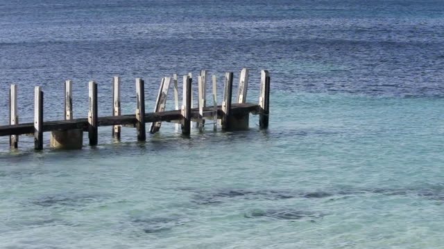 stockvideo's en b-roll-footage met ws waves crashing on rocks / western australia, western australia, australia - houten paal