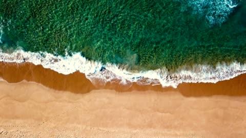 vidéos et rushes de vagues de la mer en australie - plage