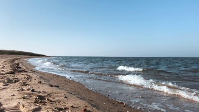 wellen am strand - deutsche nordseeregion stock-videos und b-roll-filmmaterial