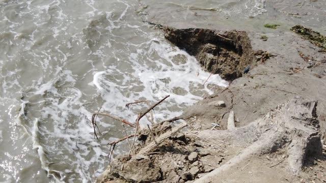 waves sinking islands of bangladesh - erodiert stock-videos und b-roll-filmmaterial