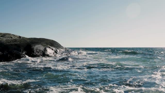Wellen planschen im rocks