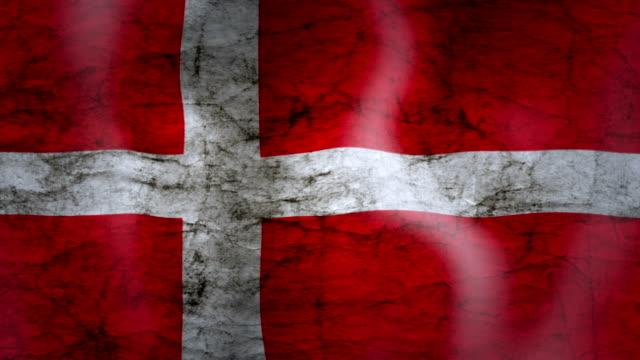 vídeos y material grabado en eventos de stock de ondeando la bandera de dinamarca, look grunge - danish flag