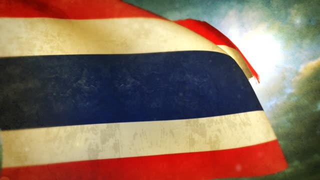 vídeos y material grabado en eventos de stock de saludar con la mano; tailandia bandera - desgastado por el tiempo