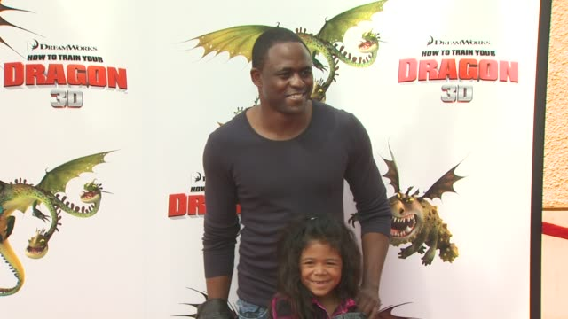wayne brady at the 'how to train your dragon' premiere at universal city ca - how to train your dragon stock videos & royalty-free footage