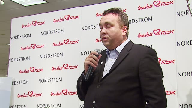stockvideo's en b-roll-footage met wayne elsey founder of soles4souls at the unveiling of reebok line scarlett 'hearts' rbk by scarlett johansson at nordstrom in los angeles california... - nordstrom