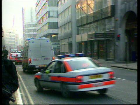 wayne hutchinson sentence england london bv police van along outside old bailey - old bailey stock-videos und b-roll-filmmaterial