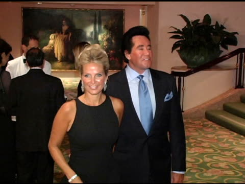 wayne newton and wife at the 5th annual lupus gala 'an evening of love, light and laughter' at the beverly hilton in beverly hills, california on... - wayne newton stock videos & royalty-free footage