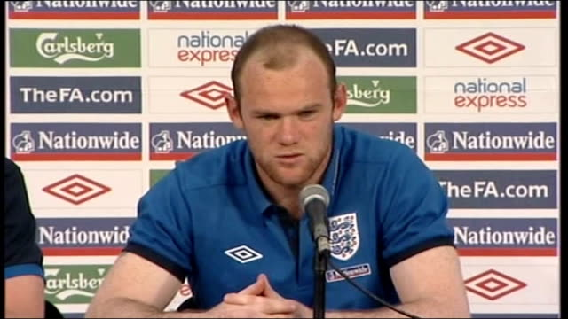 vídeos y material grabado en eventos de stock de wayne rooney press conference south africa rustenberg int wayne rooney press conference sot yeah i think the game against usa started really well /... - barry took