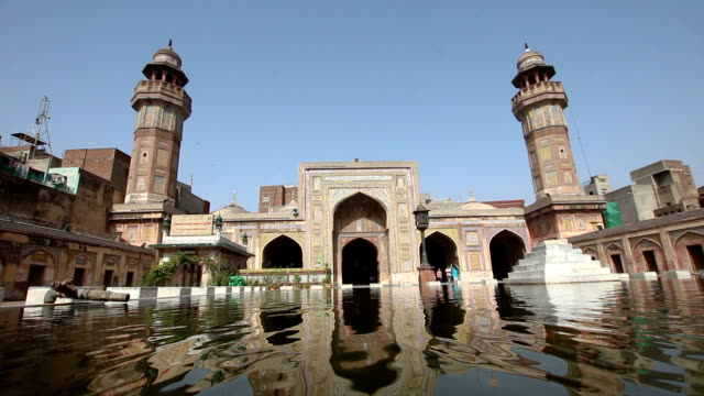 wazir khan mosque, lahore, pakistan - lahore pakistan stock videos & royalty-free footage
