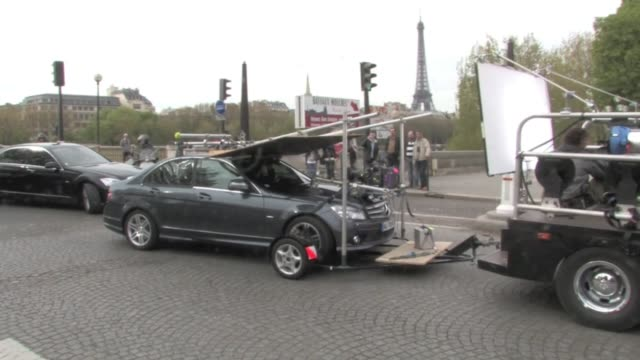 we spotted the 36-year-old us actor leonardo dicaprio shooting some scenes for an upcoming cell phone commercial in paris, france.a chinese company,... - film set stock videos & royalty-free footage