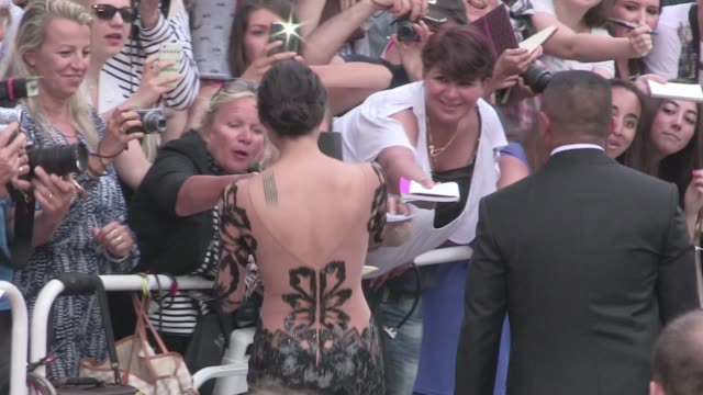 we spotted the fast and furious star michelle rodriguez on the red carpet of the mad max premiere during the cannes film festival 2015 thursday may... - 木曜日点の映像素材/bロール