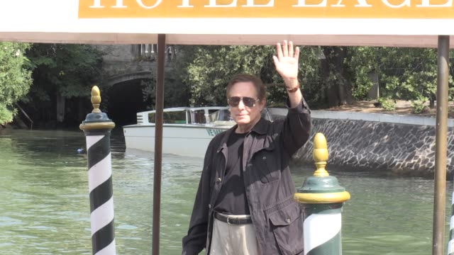 vidéos et rushes de we spotted the legendary director william friedkin arriving in venice for the film festival 2017 thursday august 31 2017 venice italy - william friedkin