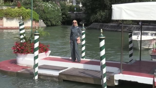 stockvideo's en b-roll-footage met we spotted the stunning model eva herzigova leaving the venice biennale film festival 2016 by boat on september 03 2016 in venice italy - filmfestival