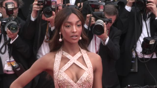 We spotted the stunning Model Jourdan Dunn on the red carpet for the Premiere of The Killing Of A Sacred Deer at the Cannes Film Festival 2017 Monday...