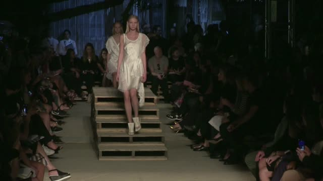 stockvideo's en b-roll-footage met we spotted the tv reality star turned model kendall jenner and her fellow models pals walking the givenchy spring summer 2016 fashion show in new... - television show