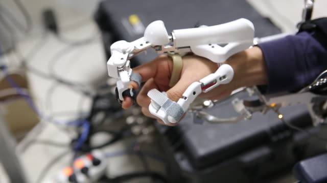 Wearable medical robot for finger