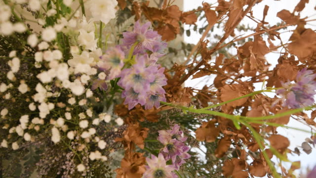 vidéos et rushes de décoration de fleur de mariage - ornement