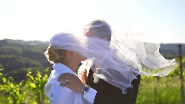 HD SUPER SLOW-MO: Wedding Kiss