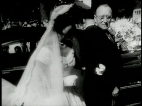 wedding of john fkennedy and jacqueline lee bouvier - john f kennedy video stock e b–roll