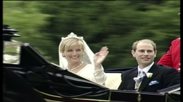 wedding of prince edward and sophie rhys-jones: itv special pab 17:00 - 18:30; 18.00.00 england: berkshire: windsor: windsor castle: ext prince... - sophie rhys jones, countess of wessex stock videos & royalty-free footage