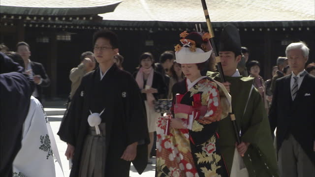ms wedding procession at meiji shrine, tokyo, japan - wedding ceremony stock videos & royalty-free footage