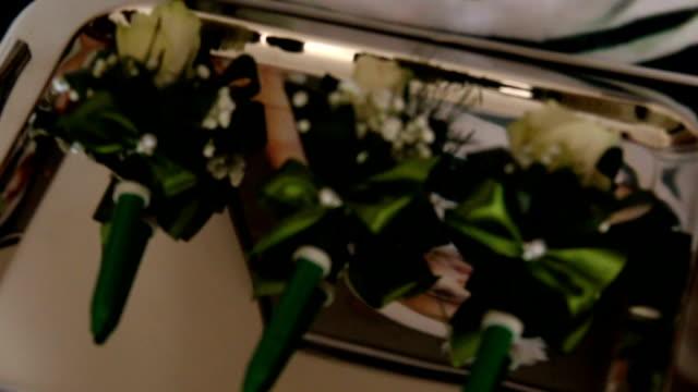 vídeos de stock e filmes b-roll de wedding small flowers - trílio