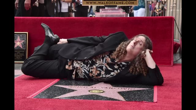 vídeos de stock, filmes e b-roll de weird al yankovic attends a ceremony honoring him with the 2643rd star on the hollywood walk of fame on august 27 2018 in hollywood california - weird al yankovic