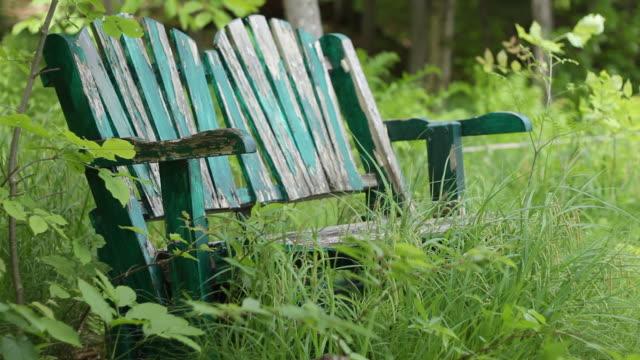 stockvideo's en b-roll-footage met welcoming old chair 2 - schommelen schommelstoel