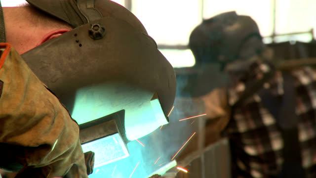 vidéos et rushes de welder - masque de protection