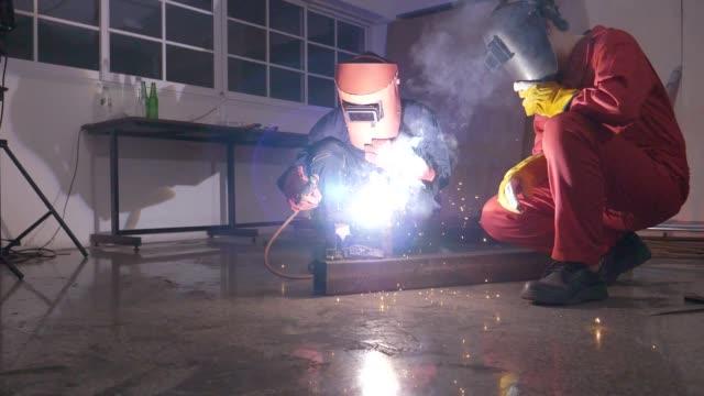 welding worker - metal worker stock videos & royalty-free footage