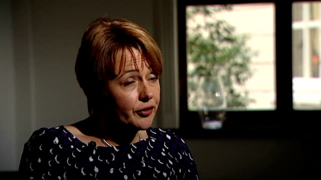 disability benefits: universal credit system criticised; baroness tanni grey-thompson interview sot - 男爵夫人点の映像素材/bロール