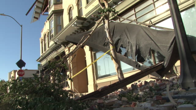 wells fargo bank damage from napa earthquake - stephenie hollyman stock videos & royalty-free footage