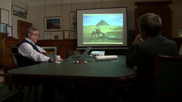 vídeos de stock e filmes b-roll de welsh engineering company restores ancient egyptian pyramid wales newport int peter james talking to reporter - pyramid