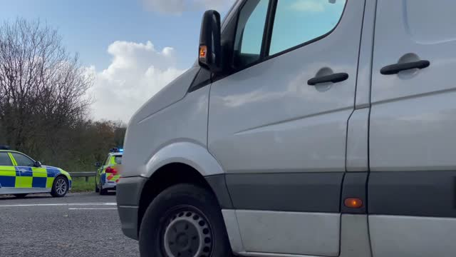welsh police pull over motorists at a police checkpoint on the a477 between carmarthenshire and pembrokeshire during wales' 'firebreak' lockdown... - typisch walisisch stock-videos und b-roll-filmmaterial