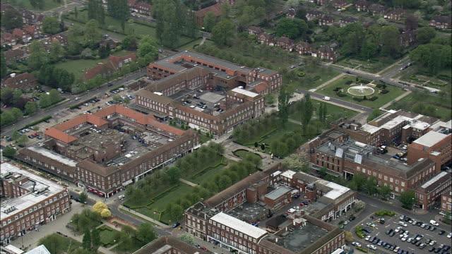 ウェルウィン ガーデンシティ航空写真イングランド、バッキンガムシャー、aylesbury ヴァーレ、イギリス - uk点の映像素材/bロール