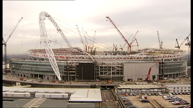 continued doubts over completion date; tx date unknown england: london: wembley: extwembley stadium under construction - wembley stadium stock videos & royalty-free footage