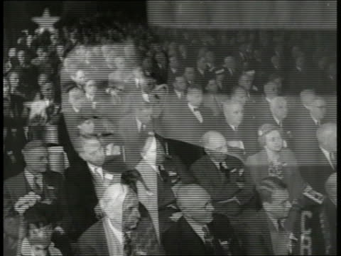 wendell wilkie w/ american flag bg saying 'our way of life is in competition with hitler's way of life' promises to beat him in the 'american way' ws... - 1940 bildbanksvideor och videomaterial från bakom kulisserna
