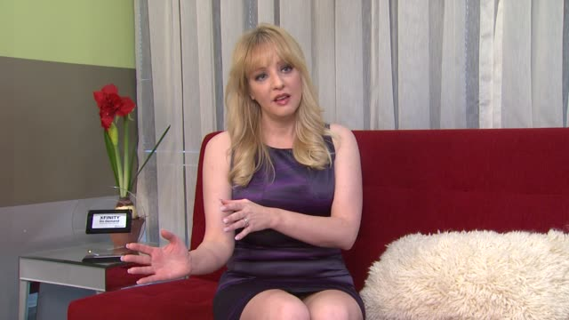 vídeos de stock, filmes e b-roll de wendi mclendoncovey on takes being ruined during shooting at the 'bridesmaids' 2011 xfinity on demand awards winner for most watched movie - wendi mclendon covey