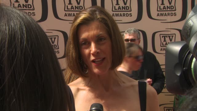 wendie malick at the 8th annual tv land awards at los angeles ca. - wendie malick stock videos & royalty-free footage