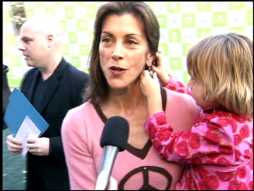 stockvideo's en b-roll-footage met wendie malick at the environmental media awards at wilshire ebell theatre in los angeles, california on october 1, 2005. - wilshire ebell theatre