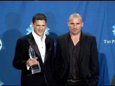 wentworth miller and dominic purcell of 'prison break' at the 2006 people's choice awards press room at the shrine auditorium in los angeles... - prison break stock videos & royalty-free footage