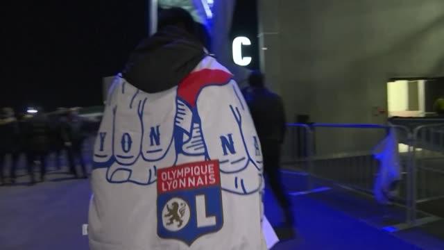 vídeos de stock, filmes e b-roll de we're continuing to live normally: lyon fans refuse to let the coronavirus spoil their champions league encounter with juventus - olympique lyonnais