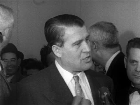 werner von braun talking about space race at microphones for press conference / newsreel - weltraumforschung stock-videos und b-roll-filmmaterial