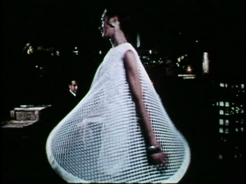 vidéos et rushes de west berlin, 1970 - fashion show