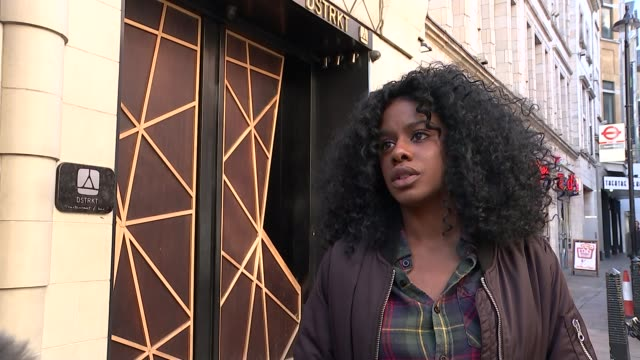 west end club accused of refusing women entry because of their colour day zalika miller set up shot with reporter / interview sot cutaways 'dstrkt'... - 被告人点の映像素材/bロール