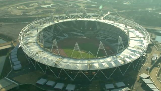 west ham united granted 99 year lease on the olympic stadium air view / aerial olympic stadium - 賃貸契約点の映像素材/bロール